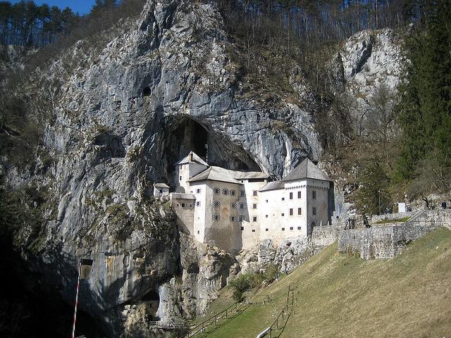 castillo_predjama