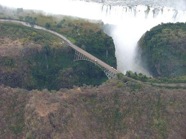 puente-cataratas-vitoria-zambia