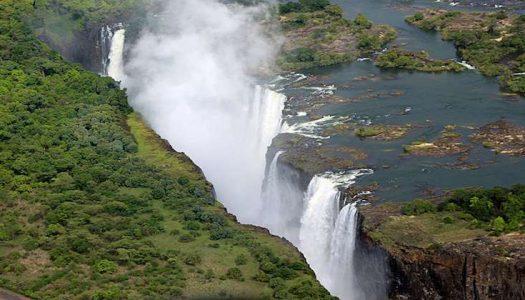 Las espectaculares cataratas Victoria en Zambia