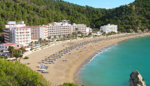 En busca de la mejor playa de Ibiza